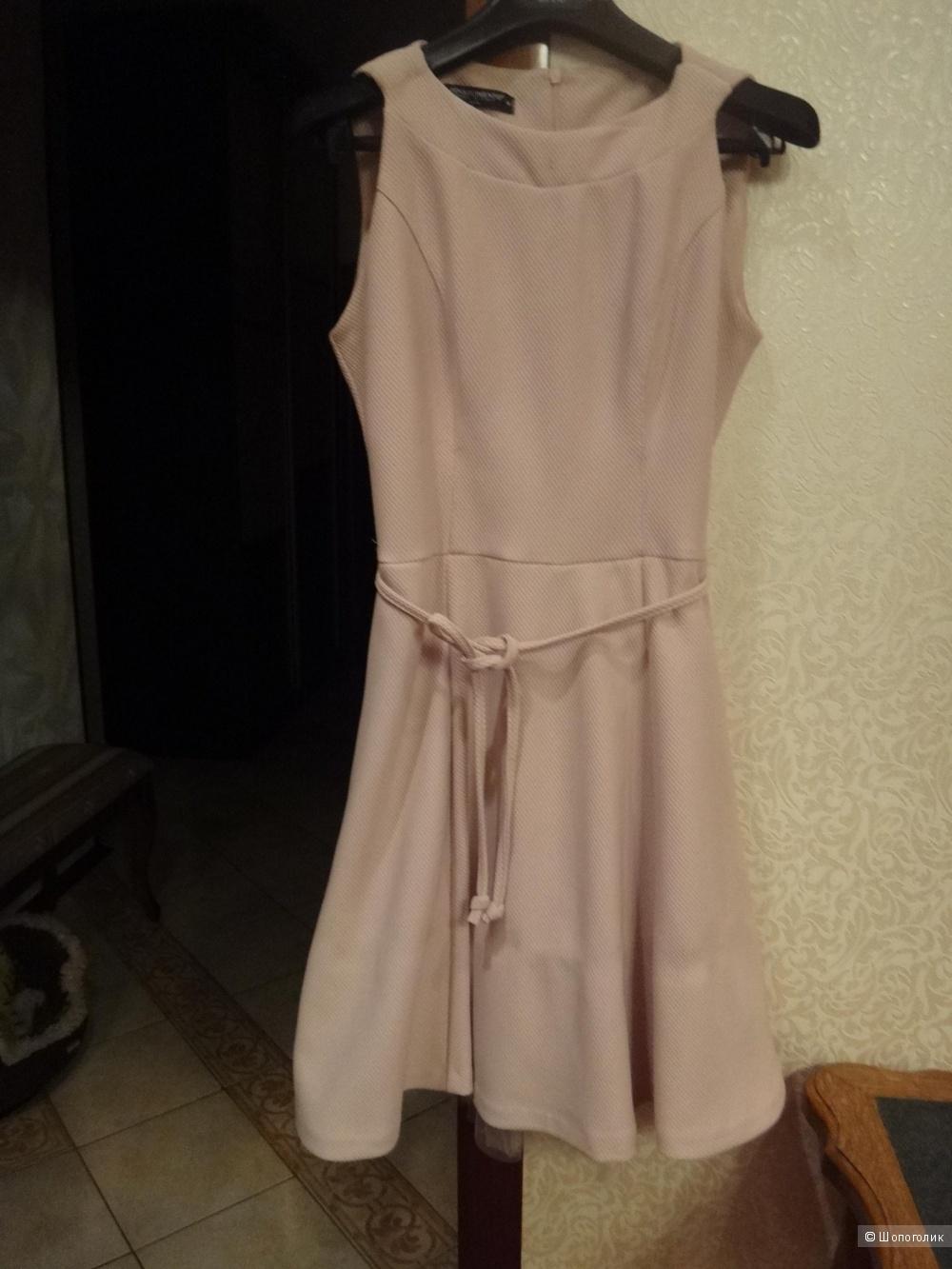 Платье 44-46 размер Италия