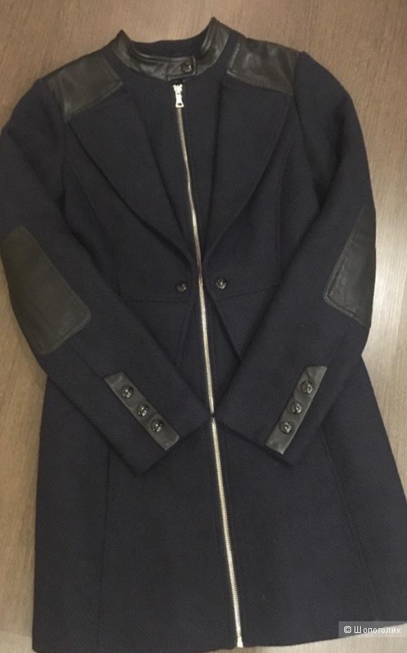 Guess пальто 42-44