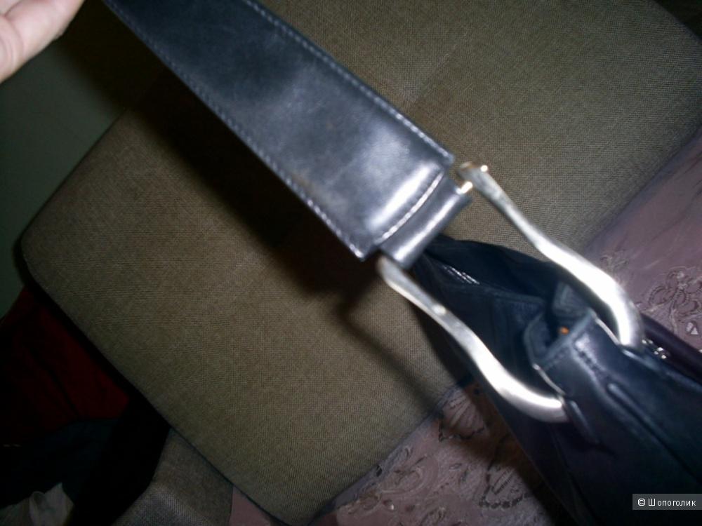 Кожаная сумочка от Tula.