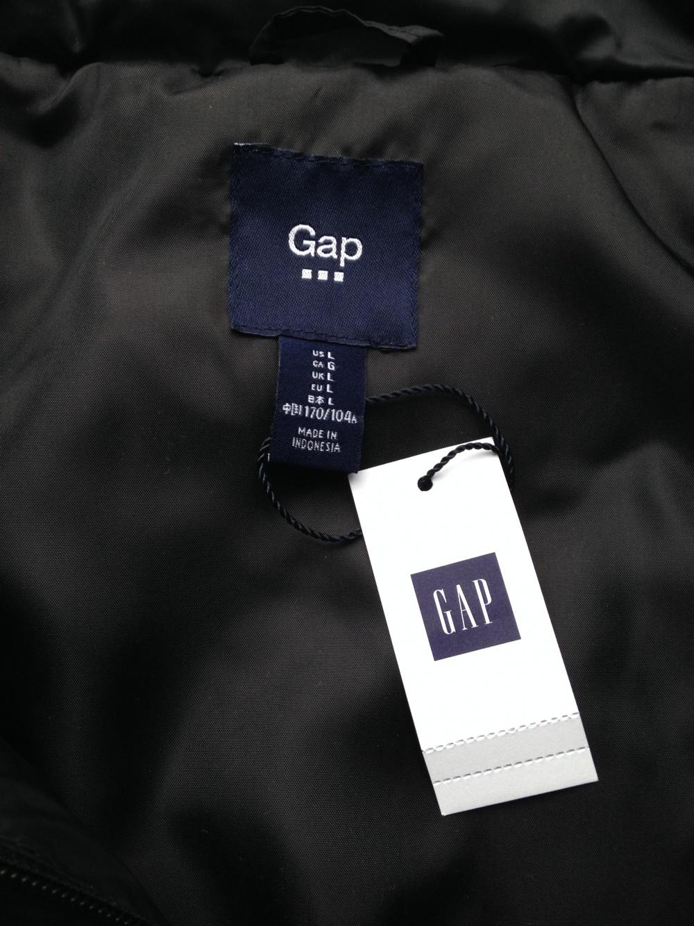 "Утеплённый жилет "" GAP "", размер L."