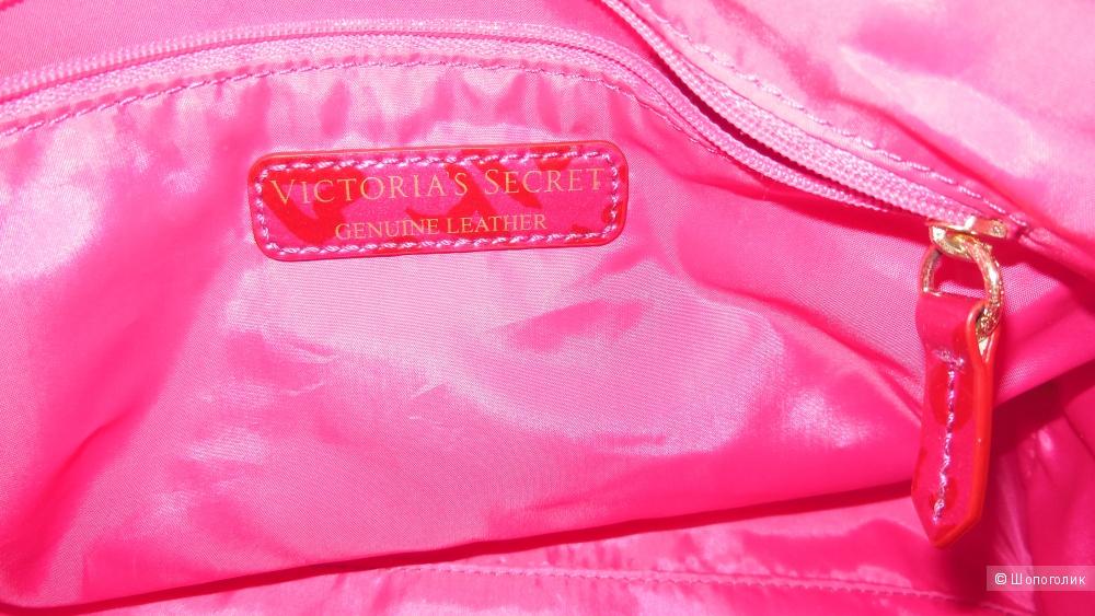 Сумка из натуральной кожи Victoria's Secret.