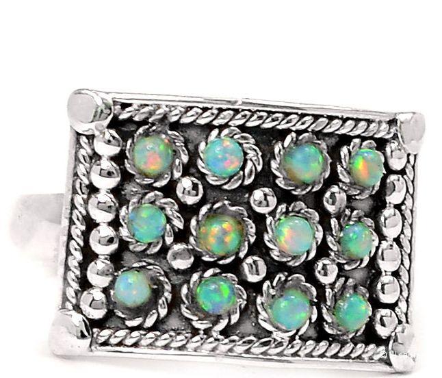 Серебряное кольцо с натуральными эфиопскими опалами, р. 18,5