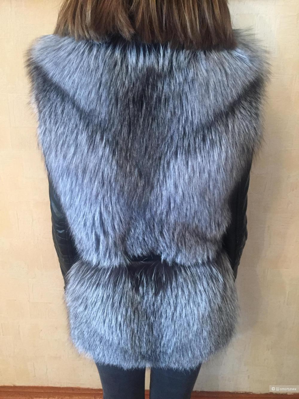 Жилетка меховая, 42 размер