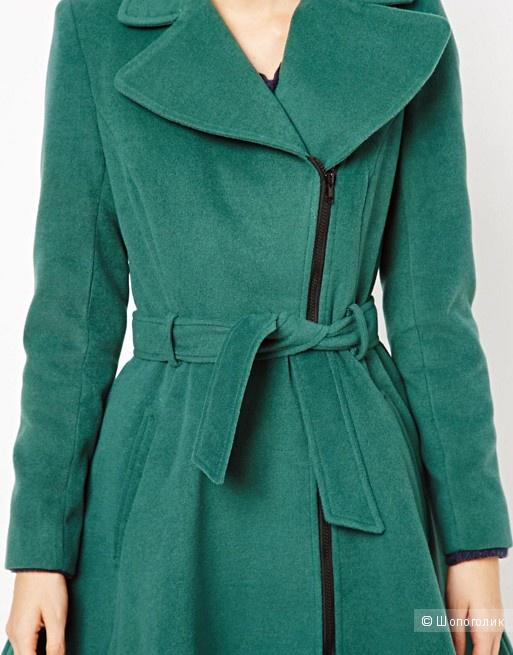 Пальто Liquorish в размере UK 10