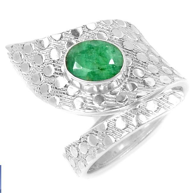 Серебряное кольцо с индийским изумрудом, р.17,75