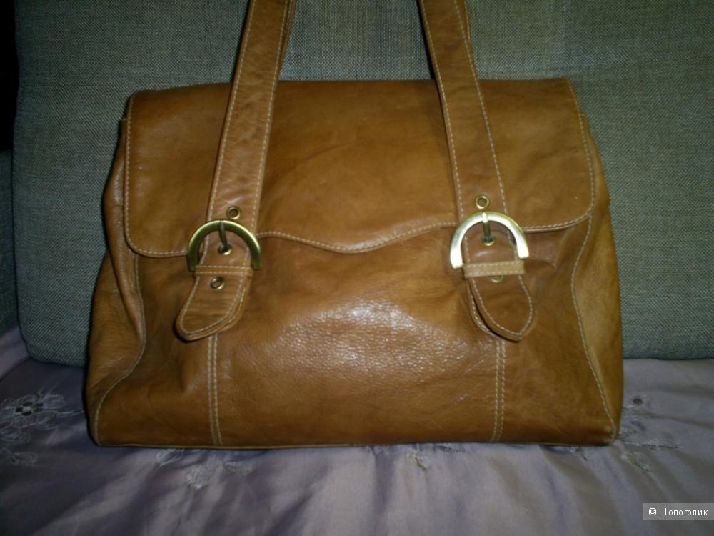 Кожаная сумка от F&F.