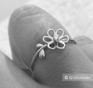 Золотое кольцо Tous с бриллиантом р.16.5(16)