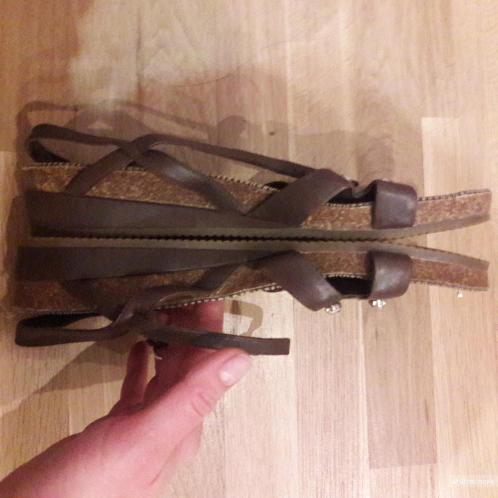 Кожаные сандалии Apepazza 40 размера