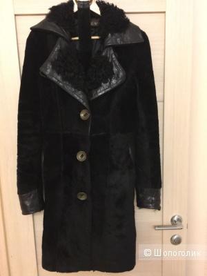 Пальто зимнее меховое