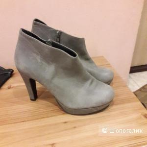 Кожаные ботинки ботильоны Gardenia 39 размера