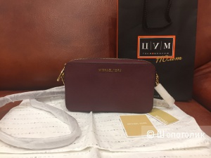 Michael Kors Jet set travel plum