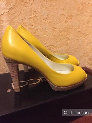 Туфли Kapricci 36 размер