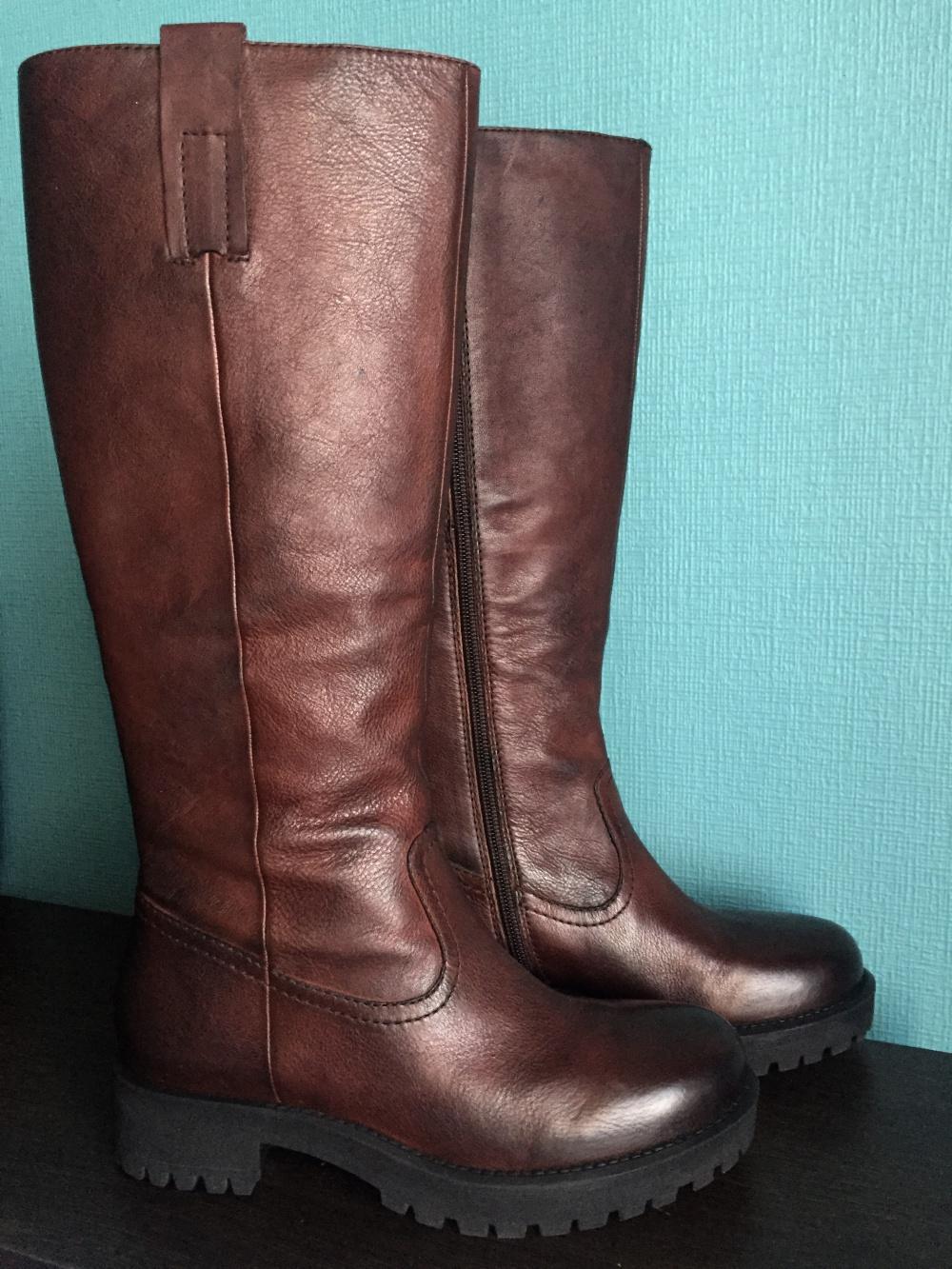 Новые кожаные сапоги Elvio Zanon, размер 36