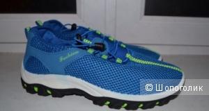 Кроссовки на шнуровке 40-41 размер