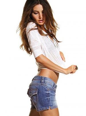 Джинсовые шорты Victoria's Secret, размер 2