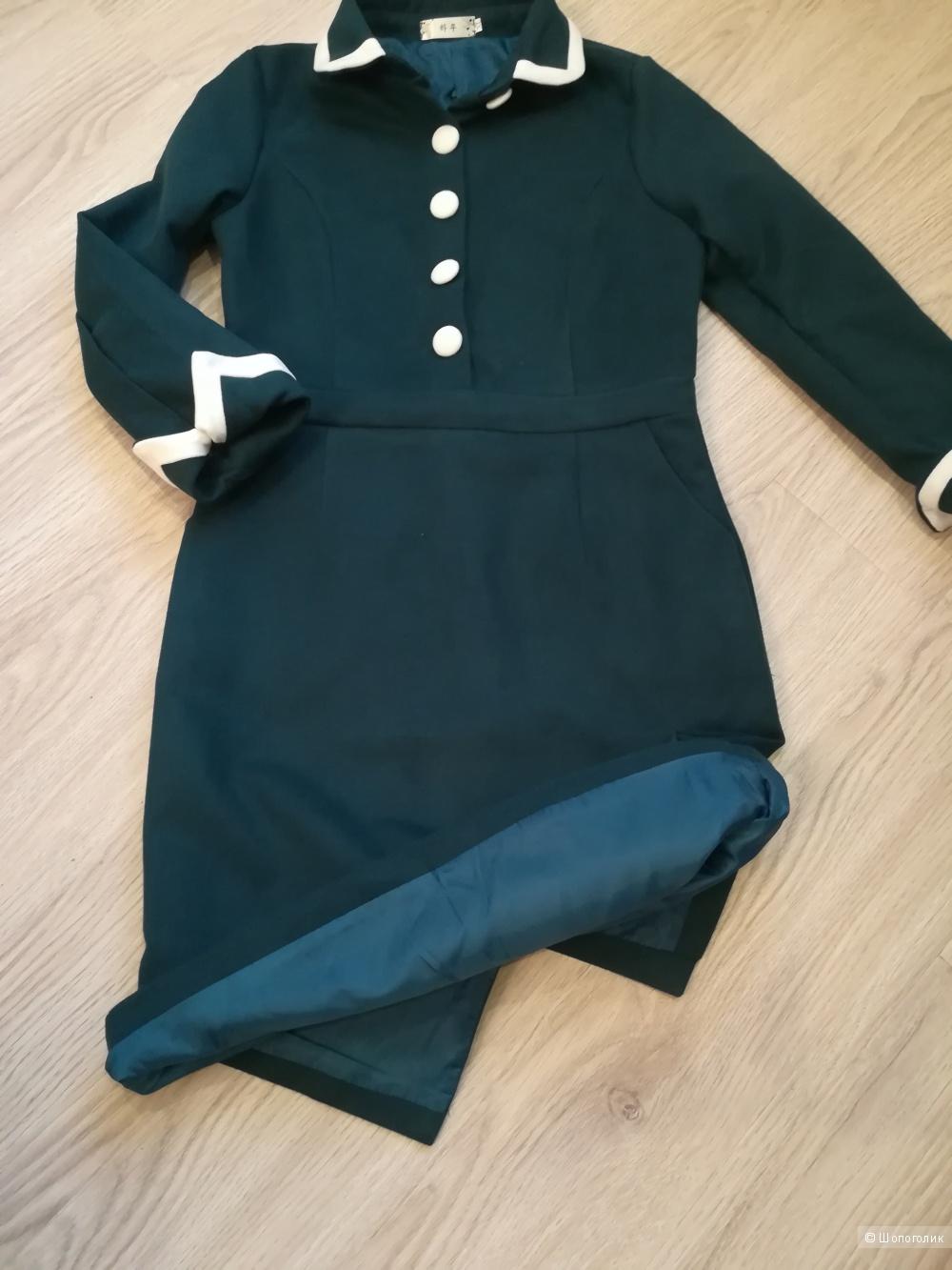 Новое теплое платье 44-го размера
