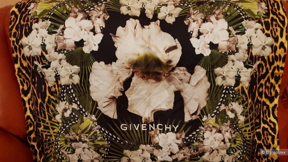 Платок , Givenchy  , 1м х 1 м