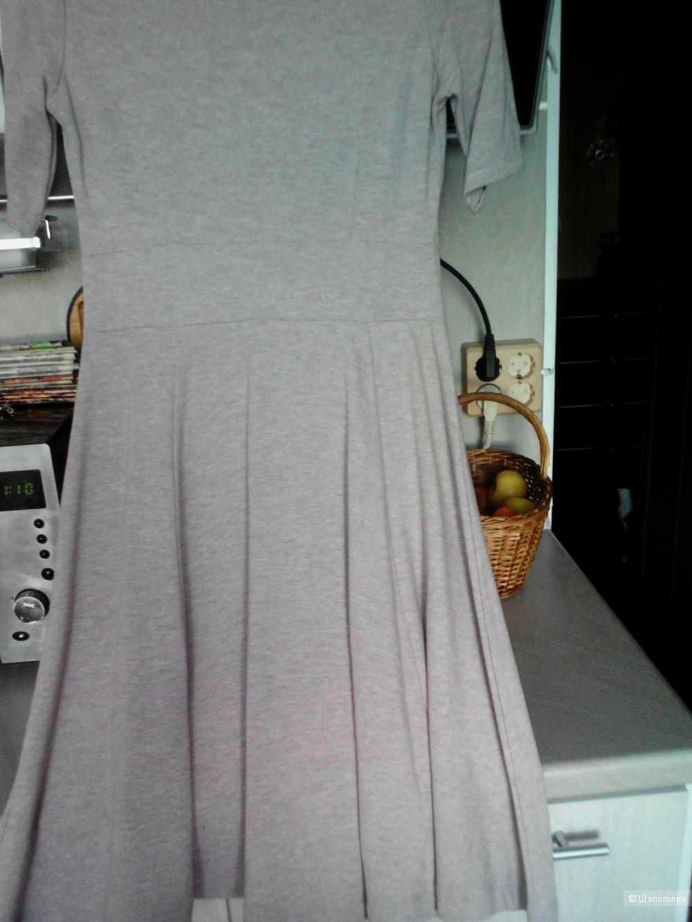 Платье. H&M. 44-46 (S).