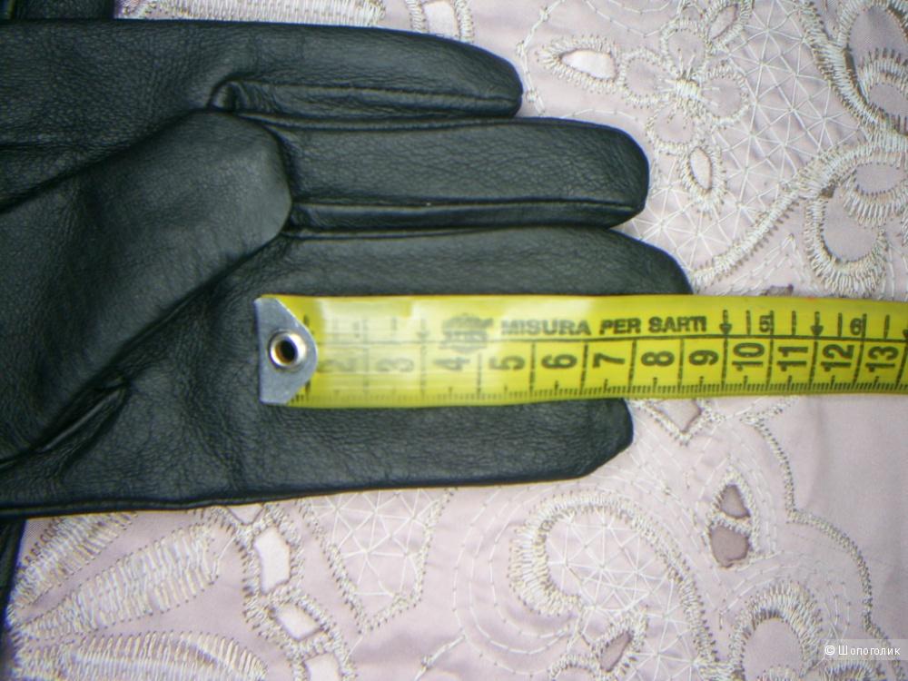 Кожаные перчатки размер 8.