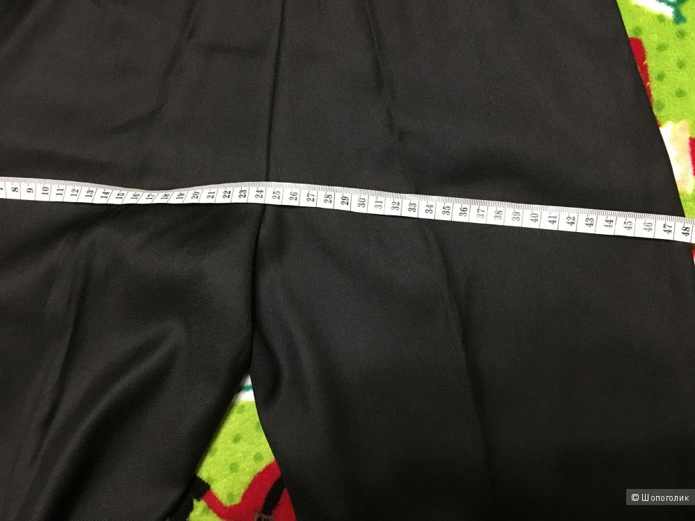 Школьные брюки на мальчика, размер 60, на 15-16 лет.