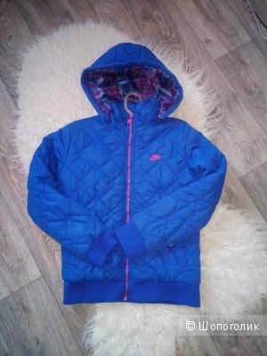 Курточка NIKE, размер Xs, S.