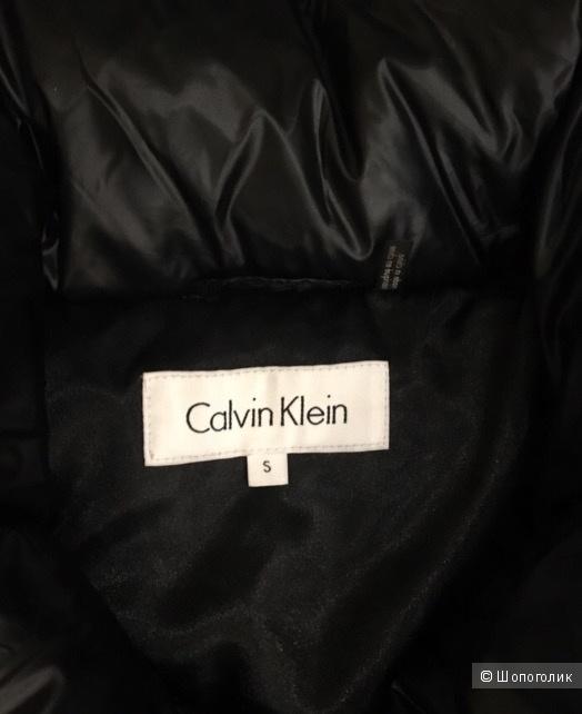 Пуховик Calvin Klein S