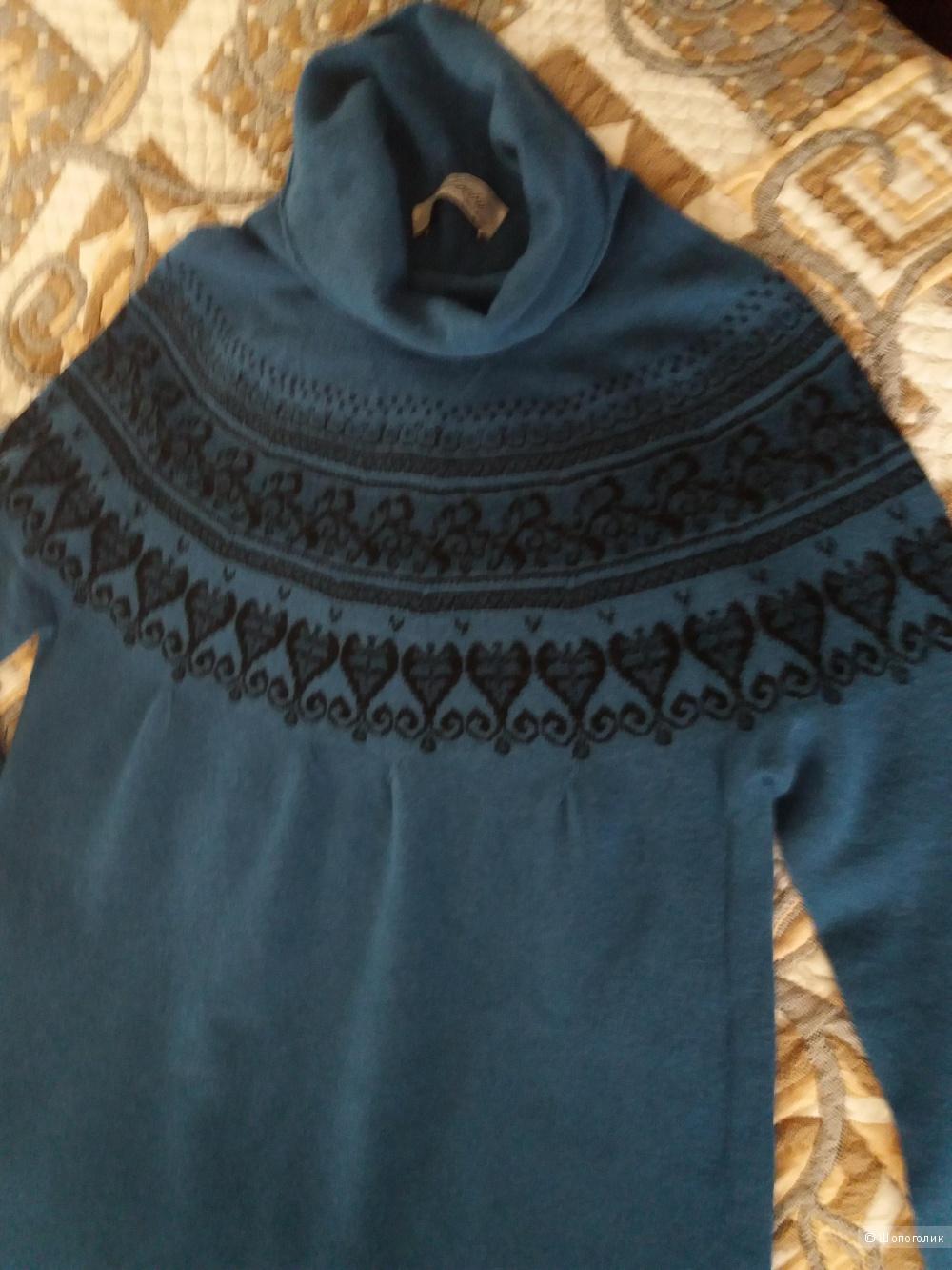 Платье шерстяное Louini,  размер 44-46.