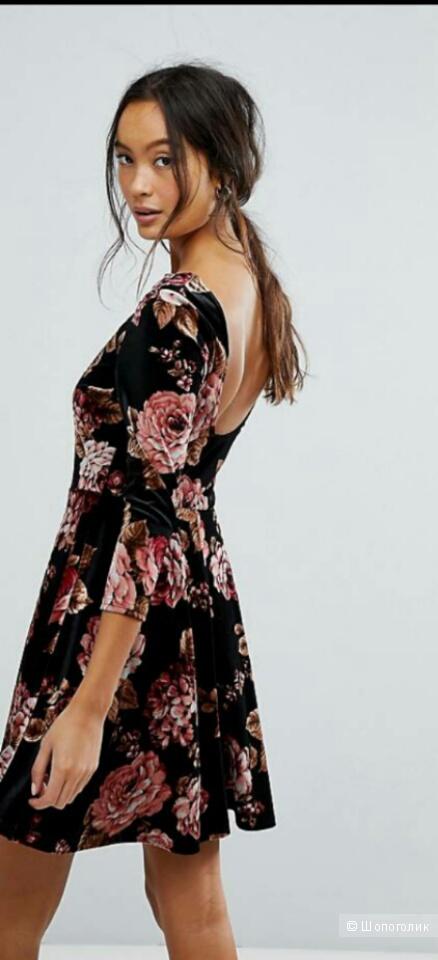 Платье бархатное New Look р. 44