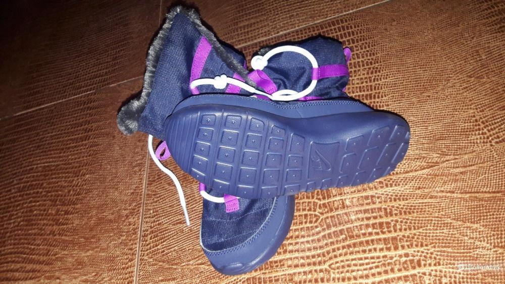 Сапожки на девочку Nike размер EUR 32.
