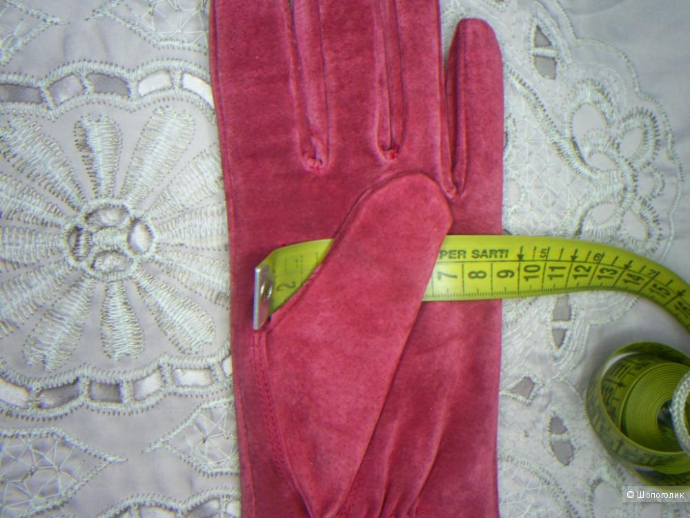 Замшевые перчатки от Atmosphere p S-M на рос. 7.