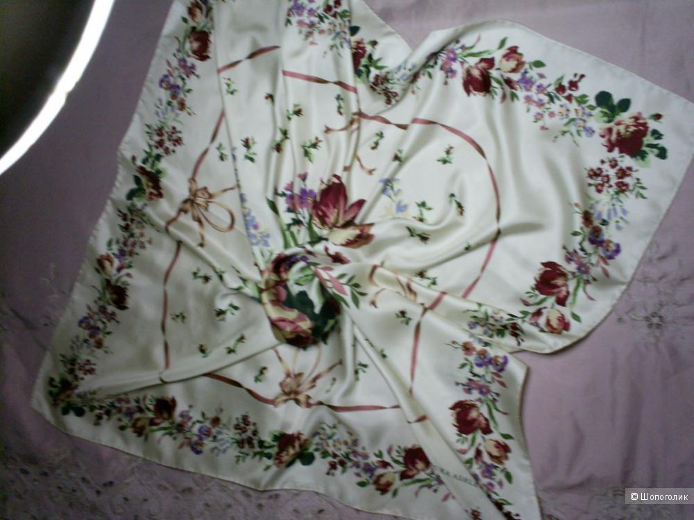 Шелковый платок от Laura Ashley 86-86 см.