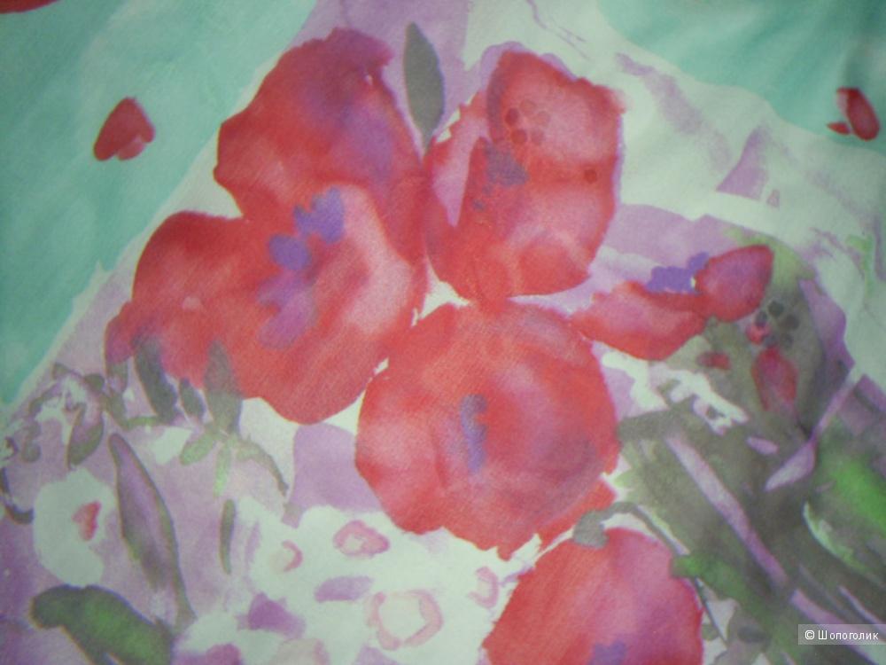 Платок от Laura Ashley  86-86 см.