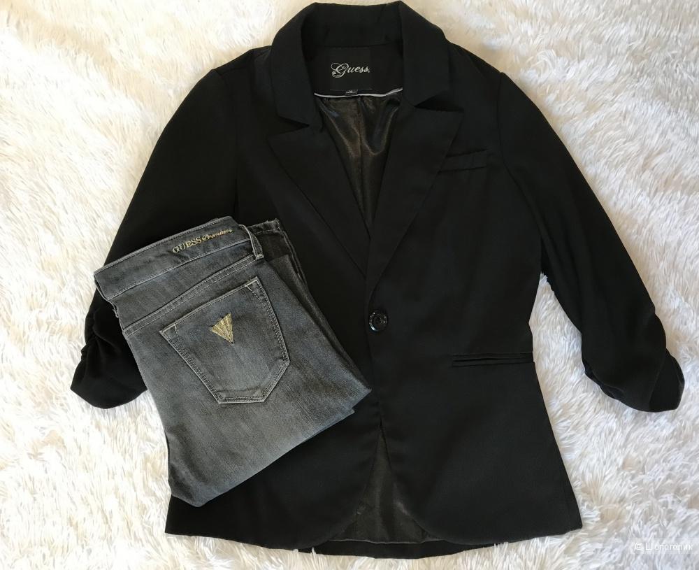 Джинсы Guess, пиджак Guess 44, футболка Tommy Hilfiger 44