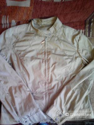 Куртка-ветровка. Moncler. 44-46.