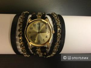 Часы Sara Designs, США, кожаный браслет.