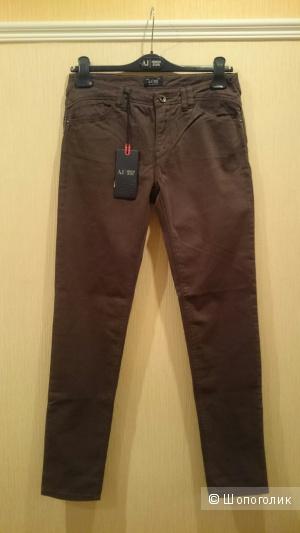 Джинсовые брюки Armani Jeans,  размер 28