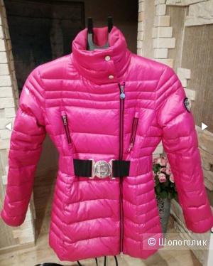 Розовый пуховик Emporio Armani размер М