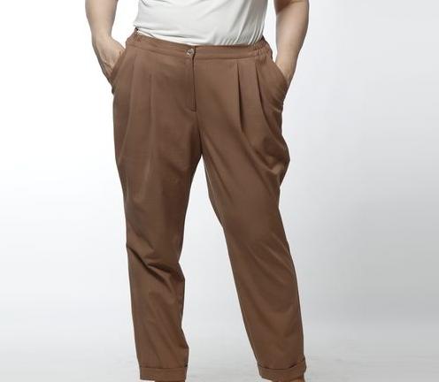 Брюки мужские HUGO BOSS светло коричневые, размер 48-50, на рост до 175