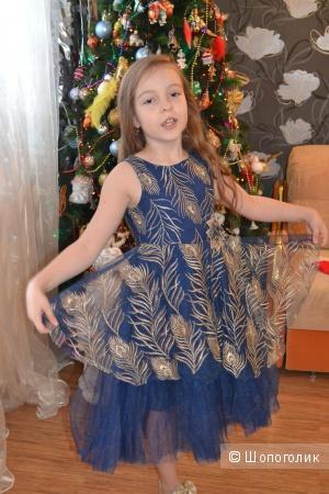 Платье на девочку р.122-128