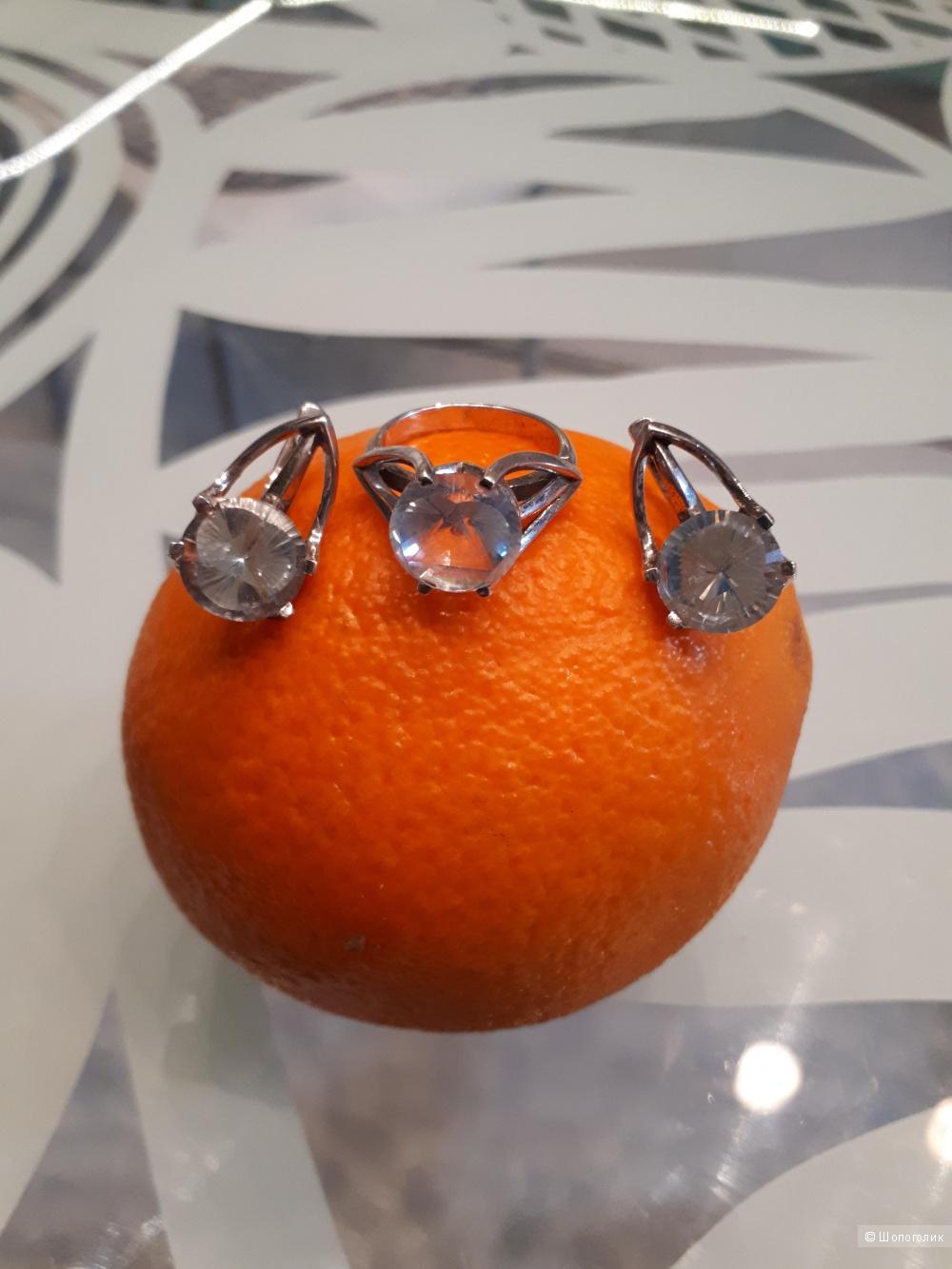 Комплект из серебра с топазами