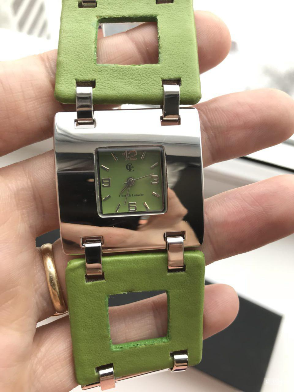 Наручные женские часы бренда CHETE AND LAROCHE