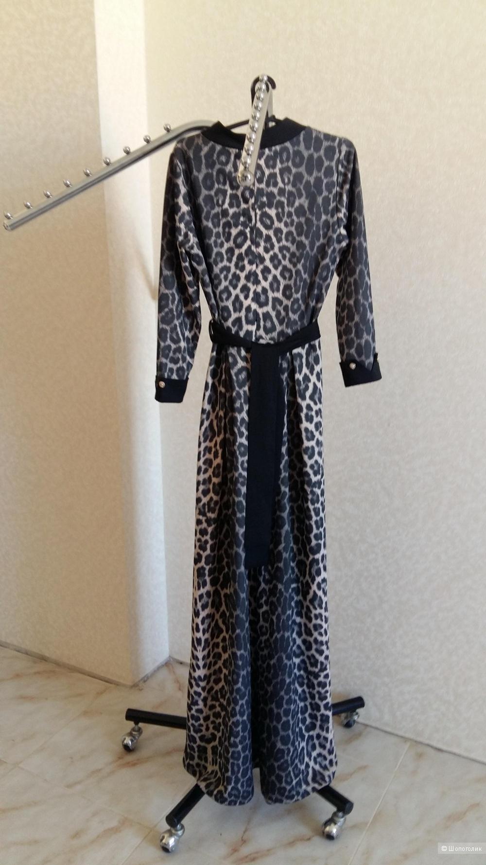 Платье, размер 42-44.
