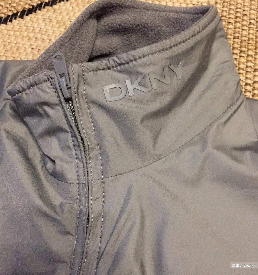 Ветровка DKNY в размере S (унисекс)