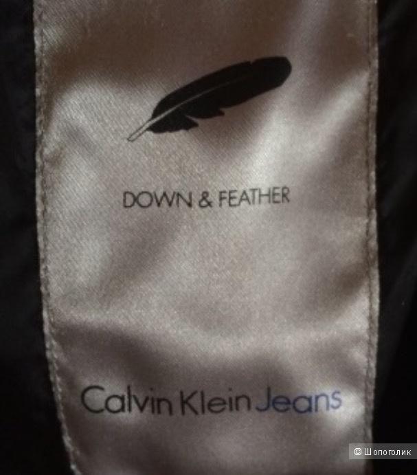 Пуховик Calvin Klein M