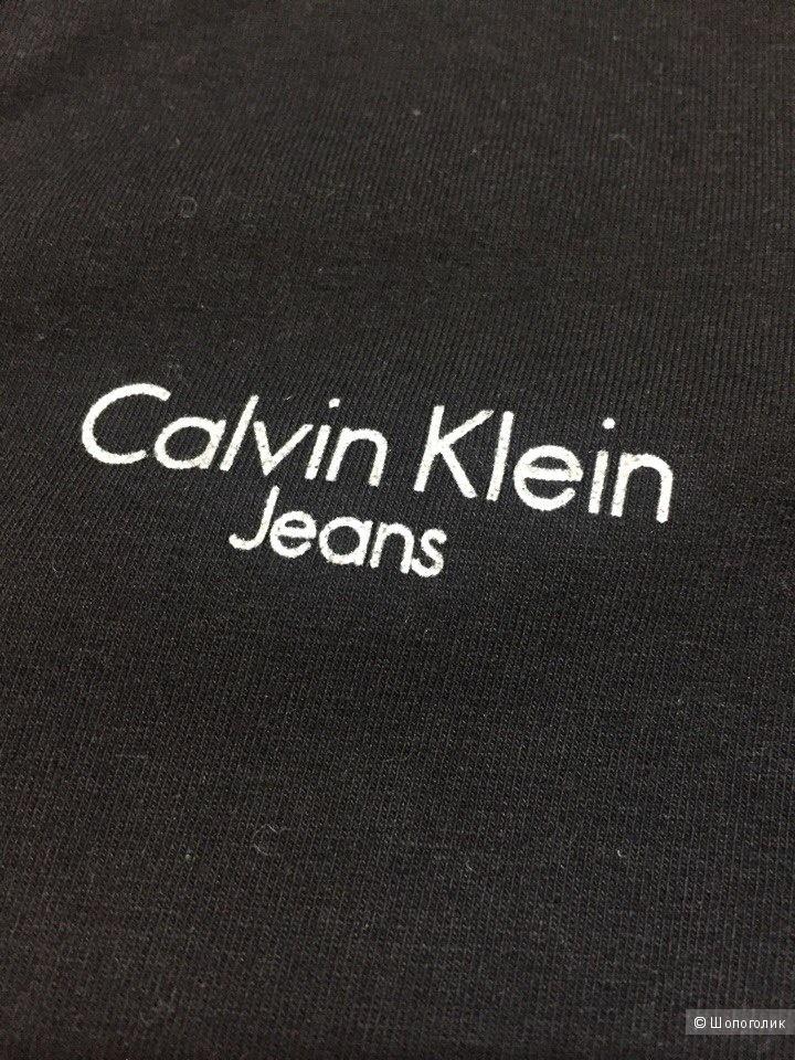 Лонгслив Calvin Klein 46рос.,
