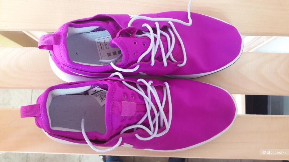 Кроссовки Nike EUR38