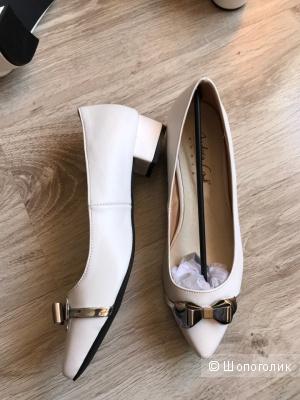 Туфли Andrea Conti 39 размер
