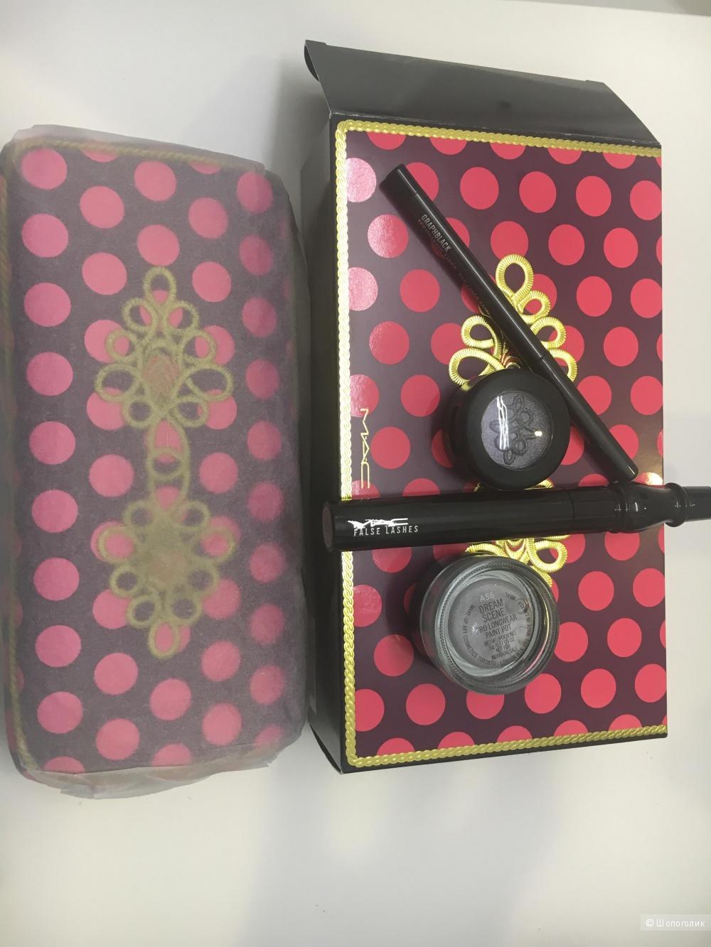 Набор для макияжа глаз с косметичкой МАС Nutcracker sweet smoky eye bag