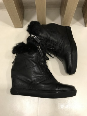 Зимние ботинки, Baldinini Trend, размер 38
