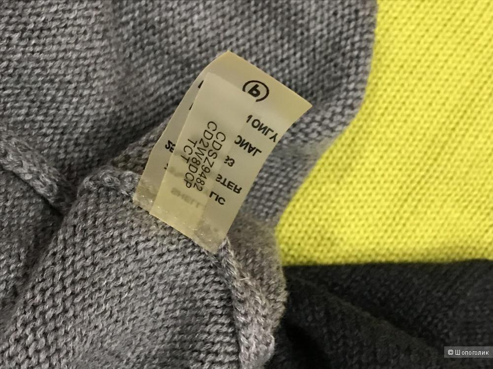 Платье Calvin Klein, размер L.